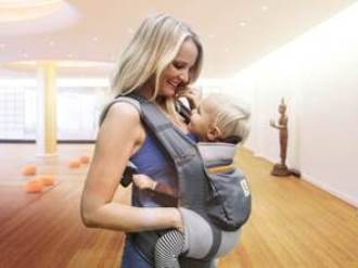 """Mit dem neuen """"Workout mit Baby powered by Ergobaby"""" im MeridianSpa lassen sich Fitness und Zweisamkeit wunderbar verbinden"""