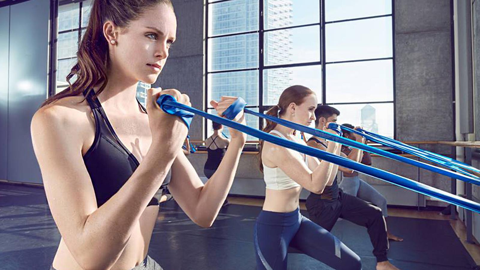 """Im """"Physique 57"""" in New York wird Pilates mit dem Balletttraining an der Stange kombiniert. Das Studio vermarktet seine Kurse gekonnt über Instagram und Facebook"""