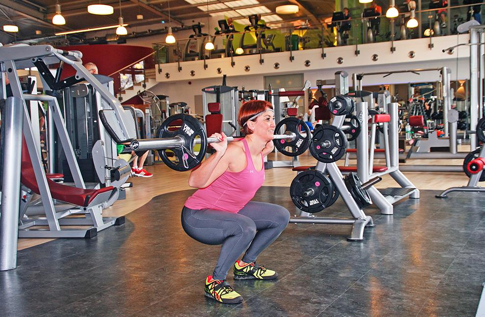 Der Fokus liegt auf der hinteren Kette der unteren Extremitäten und der Hüftmuskulatur.