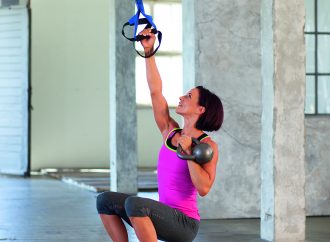 Pull Up Thruster mit Kettlebell