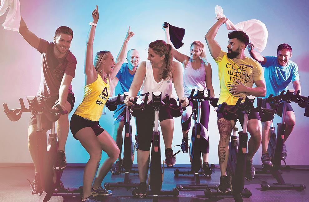 """Partyformate erobern Deuschland, z. B. beim Indoor- cycling-Konzept """"Bike & Beats"""" bei Fitness First. Fotos: Fitness First, Rise Nation"""