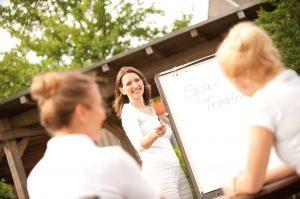 Weiterbildung zu Digitalisierung & Vertrieb im Wellness- und Spamanagement